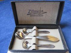 Gero zilmeta 2 zoutlepeltjes en een mosterdlepeltje. Measuring Spoons, Flatware, Dutch, Dutch People, Cutlery, Tablewares, Dutch Language