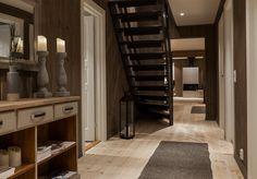Storeble hytte med hems - Telemarkhytter Divider, Interior Decorating, Mountain, Cabin, Interiors, Room, Furniture, Home Decor, Bedroom