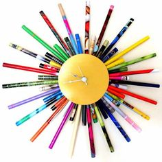 For a burst colorful charm, this large eco-friendly sunburst clock is sure to please and will add an explosion of color to your home or office. It has been scrupulously handcrafted from hand rolled ma Кружок - спил дерева, вокруг палочки веточки Diy Clock, Clock Ideas, Crafts To Sell, Diy And Crafts, Clock Template, Sunburst Clock, Wall Clock Design, Unique Wall Clocks, Fused Glass