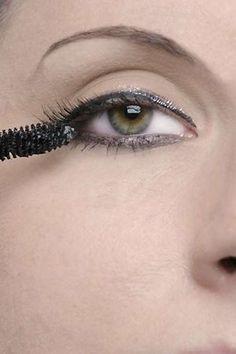 Falsche Wimpern ankleben:Neue Galerie Mascara, Glamour, Makeup, Look, Applying False Lashes, Artificial Eyelashes, Cat Eyes, Beauty Tutorials, Make Up Eyes