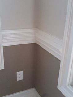 two tone warm gray w/white chair rail. by maritza Room colors with chair rail Dining Room Paint, Dining Room Colors, Kitchen Paint, Kitchen Colors, Dining Rooms, Two Tone Walls, Two Tone Paint, Casa Clean, Revere Pewter