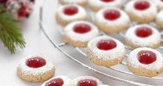 Husarenkrapfen, to tradycyjne niemieckie ciasteczka, najczęściej przygotowywane z okazji świąt Bożego Narodzenia. Tłumacząc na polski ci... Cheesecake, Cookies, Food, Recipes, Crack Crackers, Cheesecakes, Biscuits, Essen, Recipies