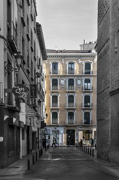 calle Estebanes, en desaturado selectivo | Flickr - Photo Sharing!