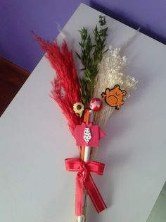 Palmas para el día de ramos hechas a mano decoradas con fieltro y goma eva.. bonitas y originales color rojo