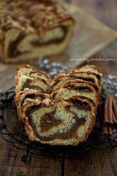 Walnut strudel - website is in Polish, but once translated into English, it makes enough sense to figure it out. Bread looks too good not to try!