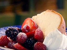 Get this all-star, easy-to-follow Food Network Never-Fail Pound Cake recipe from Paula's Best Dishes.