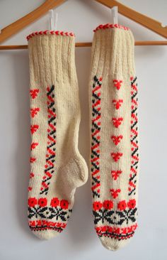 Sukan / Natural hand knit wool socks - lace socks -