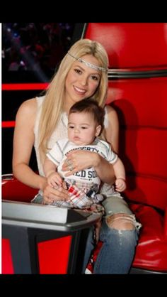 Shakira & BABBBIEEEE