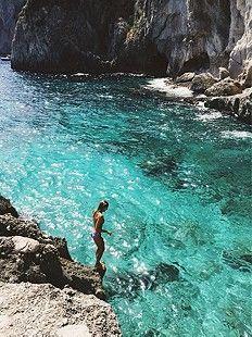Wanderlust :: Gypsy Soul :: Wild Heart :: Free Spirit :: Wander Barefoot :: Seek Adventure :: Boho Style :: Chase the Sun :: Travel the World :: Free your Wild :: See more Untamed Travel Photography + Inspiration @untamedorganica