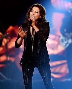 @martinamcbride's voice singing her brand new single #Reckless is everything!  #ACCAs