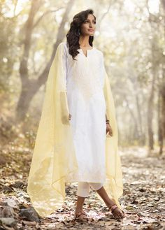 #summer #lights #chikankari #embroidery #craft #yellow #white #fashion #women #kurta #dupatta #cool #breezy #Fabindia