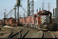RailPictures.Net Photo: LV 317 Lehigh Valley EMD GP38-2 at Newark, New Jersey by… Iron Mountain, Railroad Pictures, Railroad Photography, Lehigh Valley, Rolling Stock, Diesel Locomotive, New Jersey, Woodland, Train