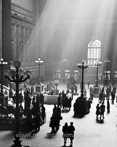 NY's Pennsylvania Station, in 1930 (now demolished).