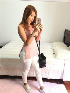 www.blogsolorota.com  instagram.com/solorota @solorota #white #lookdodia #tenisbranco #tenis #adidas #calça #blusagola #golaalta