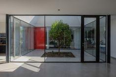 © Alberto Browne Architects: Cristian Izquierdo Location: Chicureo, Colina, Santiago Metropolitan Region, Chile Project Area: 215 sqm Project Year: