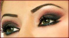 da fb: Nailsshop Shopping/negozio http://www.nailsshop.ro/ make up occhi! ottimo x gli occhi verdi!