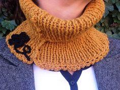 """snood col roulé de couleur safranée, tricoté main, collection """"Déclinaison"""" : Echarpe, foulard, cravate par la-maille-aux-tresors"""