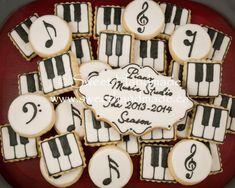 Sweet Handmade Cookies: Musical Piano Welcome Cookies