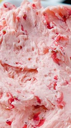 Fresh Strawberry Butter More delicious summer recipes ; Fruit Recipes, Cooking Recipes, Dessert Recipes, Easy Strawberry Recipes, Fresh Strawberry Desserts, Dishes Recipes, Avocado Recipes, Summer Recipes, Cooking Tips