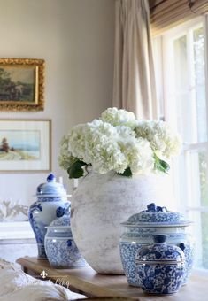French farmhouse summer decoration ideas in the living room! French Country Rug, French Farmhouse Decor, French Country Living Room, French Home Decor, French Country Decorating, Country Farmhouse, Modern Farmhouse, Cottage Decorating, Country Primitive