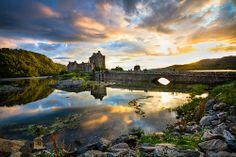 Eilean Donan Castle - Scotland  Caistea lEilean Donnain - Alba