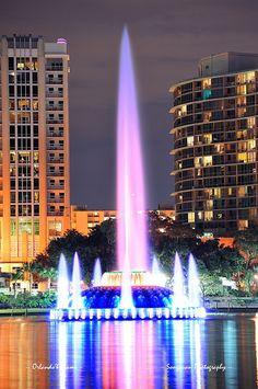 Fountain closeup in Orlando by Songquan Deng, via Flickr