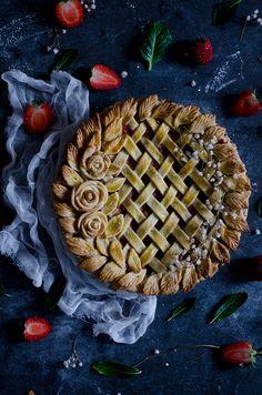 Strawberry & Rhubarb Pie Recipe