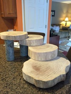 Discover thousands of images about Rustic Log Dessert Cupcake Stand Jar Crafts, Wood Crafts, Table Verte, Rustic Cupcakes, Rustic Cupcake Stands, Rustic Cupcake Display, Deco Table Noel, Wedding Cake Stands, Cupcake Stand Wedding