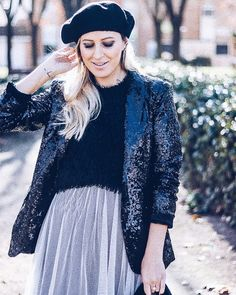 Beauty begins the moment you decide to BE yourself  - Coco Chanel - . . #dollactitud #quote #goodnight #streetstyle #fashion #style #memories #newyear #2018 #newchance #changes #yourself #paillettes #lastpost #inspo #tulle #fashioninspiration #winter #cold #madrid #christmas #navidad #christmastime #stylish #styleoftheday #makeup #beret #christmasmakeup