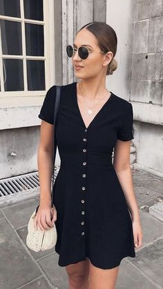 Essential Factors Of Buying Beautiful Black Dress Accessories And Jewelry - Fashion You Black Dress Outfits, Classy Outfits, Stylish Outfits, Cool Outfits, Summer Outfits, Summer Dresses, Cute Dresses, Casual Dresses, Fashion Dresses