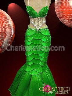 "CHARISMATICO Green Satin ""Scaled"" Shell Bra and Mermaid Tail Showgirl Burlesque Skirt - just make it much shorter for Ariel Little Mermaid Costumes, The Little Mermaid, Mermaid Costume Kids, Little Mermaid Dresses, Dance Costumes, Halloween Costumes, Cabaret Costumes, Drag Queen Costumes, Shell Bra"