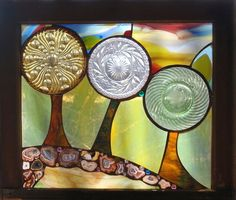 Glass inserts in stained glass panel Stained Glass Lamps, Stained Glass Designs, Stained Glass Panels, Stained Glass Projects, Mosaic Glass, Fused Glass, Mosaic Windows, Glass Art Design, Glass Artwork