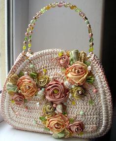 """Сумочка """"Весна в моём сердце"""". Декор : цветы из лент, бусины и жемчуг SWAROVSKI и Preciosa, бисер (Япония и Чехия), текстильные пуговицы, декоративные ручки. Размеры : 26*20 см, глубина 8 см. Авторская работа Светланы Трегуб"""