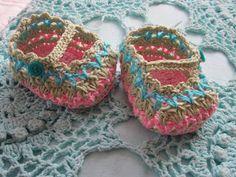 JanitaM: baby booties pattern