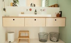 Living with (Four!) Kids: Ideas to Steal from Tessa Hop's Organized and Serene Home - The Organized Home renovieren Living with (Four!) Kids: Ideas to Steal from Tessa Hop's Organized and Serene Home Bathroom Sink Organization, Sink Organizer, Bathroom Storage, Home Organization, Bathroom Cabinets, Bathroom Fixtures, Bad Inspiration, Bathroom Inspiration, Bathroom Ideas