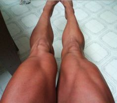 female Quads | Self-shots of fit & muscular women