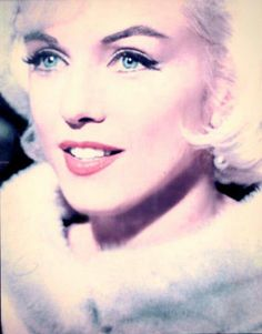 """Marilyn Monroe, 1962 - """"SOMETHING'S GOT TO GIVE."""" She Looks Stunning In This Photo By Lawrence Schiller."""
