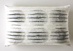 De collectie van Feltgood bestaat uit viltschilderijen en -panelen en vilten interieuraccessoires.