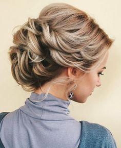 Bir kadın olarak bilirsiniz ki birden fazla saç yapısı bulunmaktadır. Bunlardan bir tanesi de ince telli saçlardır. İnce telli saçlar bazı kadınlar tarafından beğenilip sevilse de genel o