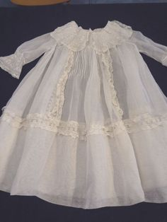 Fabulous Antique Victorian Childs Lawn & French Valenciennes Lace Dress