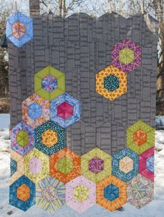 Jaybird Quilts Pattern Review - Science Fair pattern review | Sew Sweetness #hexnmore #jaybirdquilts #sciencefairquilt http://sewsweetness.com/