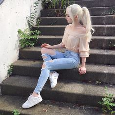 top hipster outfits that will inspire you 19 Hipster Outfits, Korean Outfits, Mode Outfits, Girl Outfits, Fashion Outfits, Dove Cameron Style, Mode Kawaii, Actrices Sexy, Girl Photography Poses