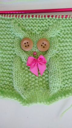 I found this owl in a knitting cap, on the KatyTricot website,. Owl Recipe T … - Everything About Knitting Baby Knitting Patterns, Knitting Stitches, Crochet Patterns, Diy Crafts Knitting, Easy Knitting, Knitting Projects, Crochet Diy, Crochet Hats, Knitted Owl