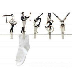 サーカス団員の綱渡りな洗濯バサミがかわいすぎる件  | roomie(ルーミー)