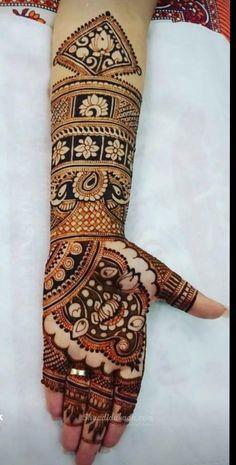 Best Mehndi Artist in Delhi Full Mehndi Designs, Bridal Henna Designs, Henna Designs Easy, Dulhan Mehndi Designs, Best Mehndi, Henna Mehndi, Henna Art, Mehendi, Mehendhi Designs