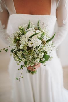 rustic white wedding bouquet