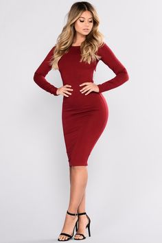 Swans Style is the top online fashion store for women. Shop sexy club dresses, jeans, shoes, bodysuits, skirts and more. Tight Dresses, Satin Dresses, Sexy Dresses, Dresses For Work, Bandeau Bodycon Dress, Chic Outfits, Fashion Outfits, Best Prom Dresses, Professional Attire