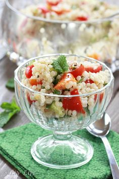 Lemony Israeli Couscous Salad with Mint @livlifetoo #salad #picnic