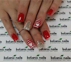 For nails, see this top nail pin plan # 8696249420 for super eye-catching nails. - You can find nails in this top nail pin -. Fancy Nails, Cute Nails, Pretty Nails, Cute Christmas Nails, Holiday Nails, Red Nail Art, Red Nails, Valentine's Day Nail Designs, Valentine Nail Art
