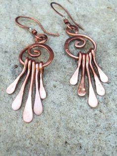 orecchini pendenti orecchini filo di rame fili di rame battuti,e assemblati